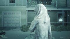 a statue of a person